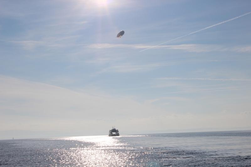 Zeppelin trifft Fähre